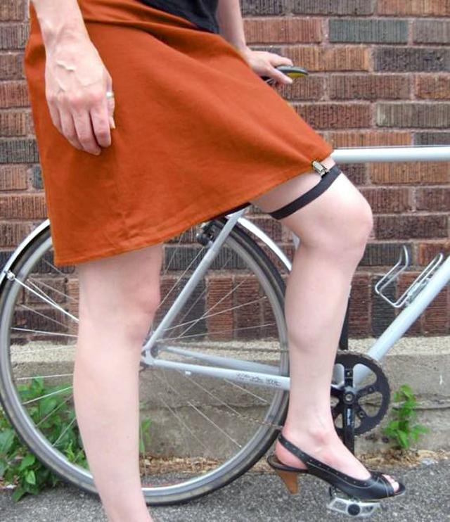 skirt clip 01