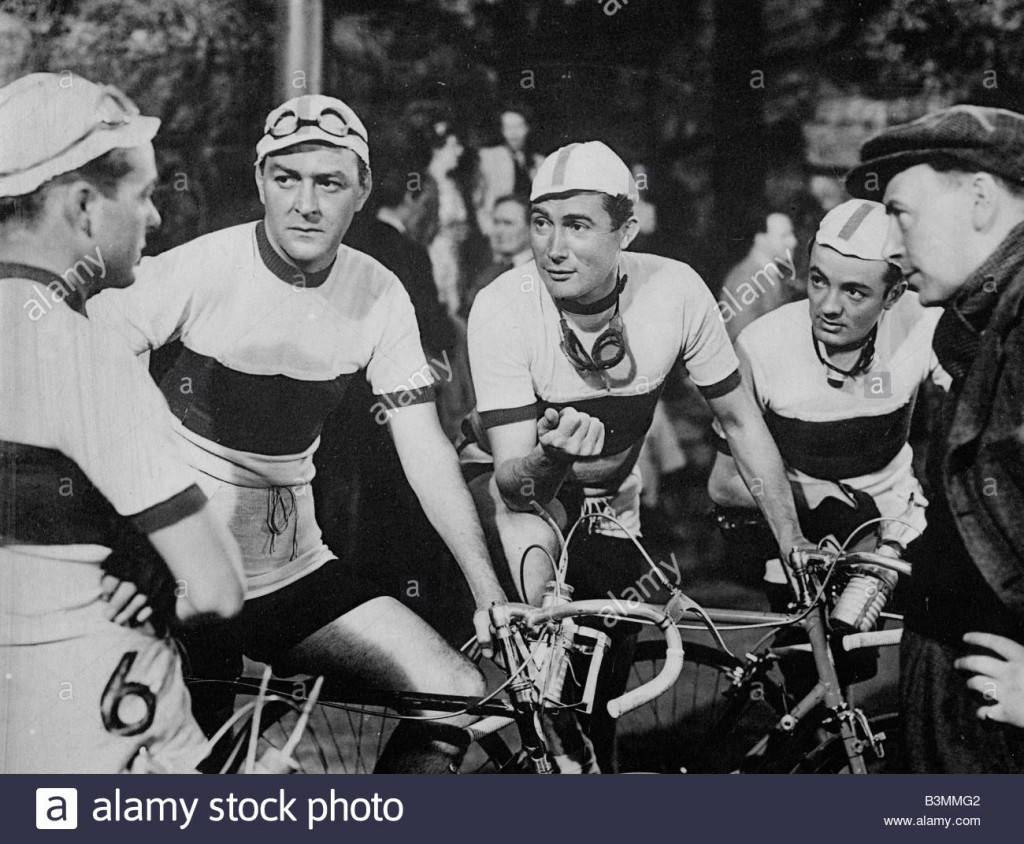 a-boy-a-girl-and-a-bike-1949-gainsborough-film-about-a-yorkshire-cycling-B3MMG2